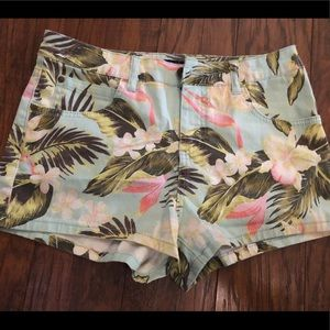NWT Billabong Hawaiian tropical flower shorts